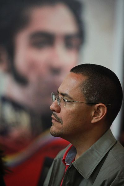 After losing the mayoral election, Chavistas appoint Ernesto Villegas to oversee the Ministry of Popular Power for the Revolutionary Transformation of the Great Caracas.