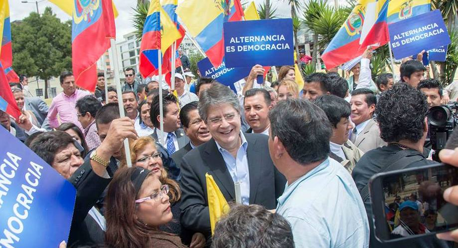 Ex-presidential candidate, Guillermo Lasso, has appealed to jurist Carlos Bernal Pulido, to prevent indefinite presidential reelections.