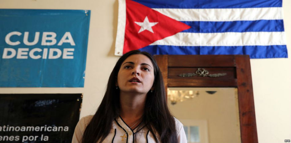 Award Ceremony in Cuba Honoring Dissident