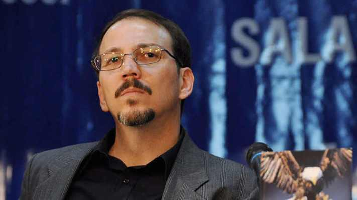 "Raúl Castro's son, Alejandro Castro Espín, gains prominence in the government as he emerges as a favorite to succeed his father and uncle. (<a href=""http://www.hispanidad.com/la-dictadura-castrista-prepara-su-sucesor-el-hijo-de-raul-castro-gana-relevancia-en-la-politica-cubana.html"" target=""_blank"">Hispanidad.com</a>)"