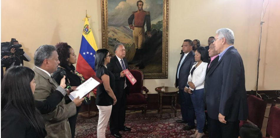 Opposition Governors Betray Venezuelans