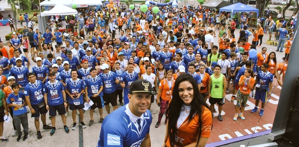 Hundreds gathered to run for freedom and prosperity and against Correa in Guayaquil.