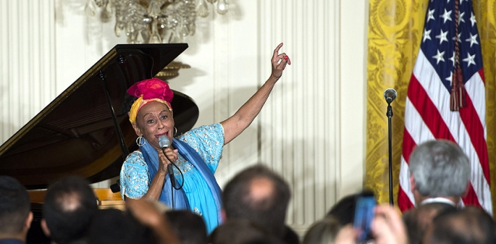 "Omara Portuondo performed at the White House, despite having endorsed Fidel Castro's murderous ""energetic measures"" against Cubans in 2003."