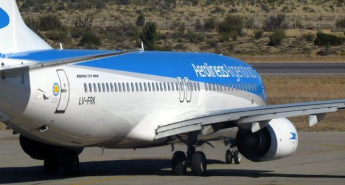 The first libertarian step is to privatize every government-run company, starting with Aerolíneas Argentinas.