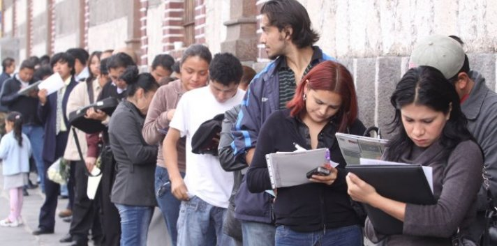 In 2013 alone, 454,323 people in Argentina worked for the state, earning AR$342 billion in salaries.