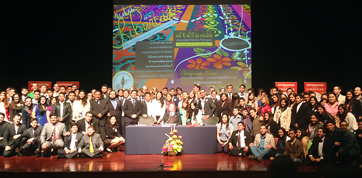 Participants were photographed with Giancarlo Ibárgüen, former dean of Francisco Marroquín University (UFM), upon receiving the 2014 Manuel F. Ayau A Life for Liberty 2014 Prize.