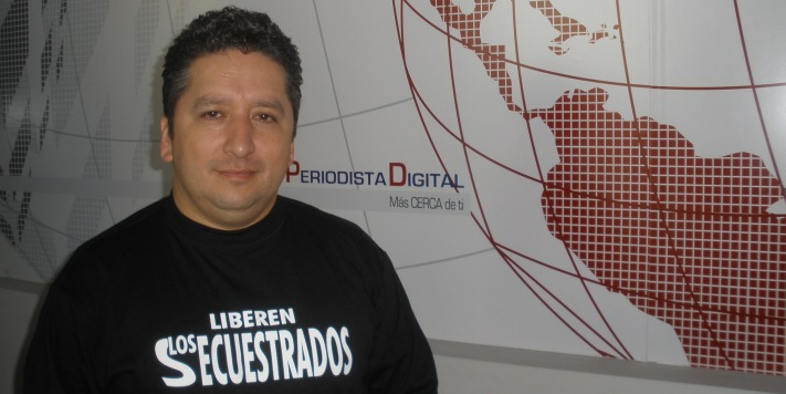 """Herbín Hoyos, spokesman for the victims of FARC kidnappings, says justice should be served in the case of crimes against humanity.(<a href=""""http://www.periodistadigital.com/periodismo/radio/2009/12/09/voces-del-secuestro-herbin-hoyos-colombia-farc-secuestrados.shtml"""" target=""""_blank"""">Periodista Digital</a>)"""