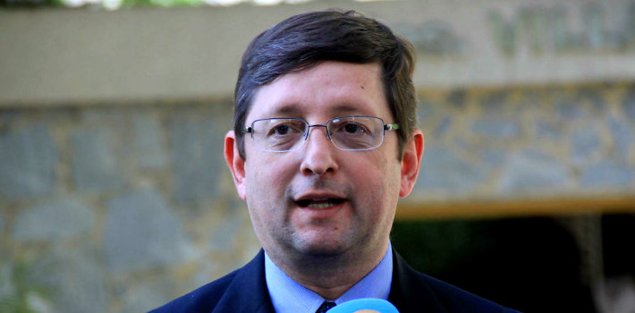 Bolivian Senator Óscar Ortiz Antelo asserts undecided voters will tip the scale against President Evo Morales.