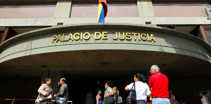 At 9:30 p.m. on Thursday, September 10, 2015, Judge Susana Barreiros, head of the 28th tribunal of Caracas, sentenced political opposition leader Leopoldo López to 13 years, 9 months, nad 7 days in prison. (TSJ)