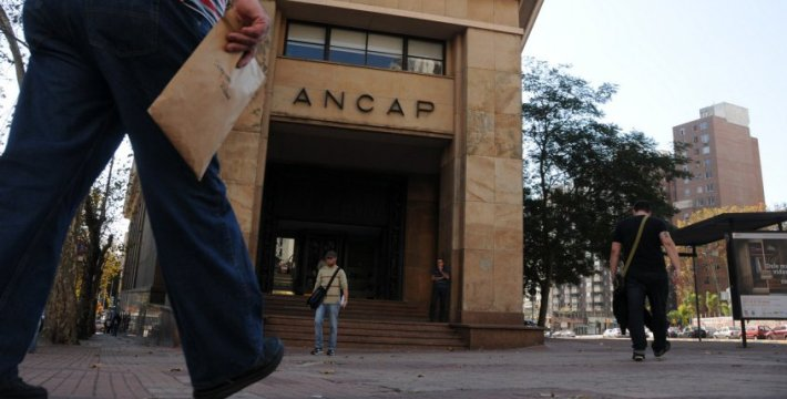 Uruguay's state-owned oil firm ANCAP was so badly mismanaged during Raúl Sendic's term that it needed a bailout from Congress