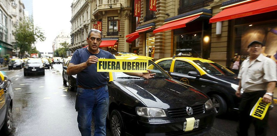 Thousands of Taxi Drivers Clog the Streets of Santiago