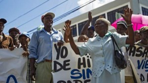 Hatians protest in the Dominican Republic upon hearing that the country will withdraw from the OEA and thus the IACHR.