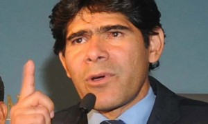 "Bolivian Interior Vice Minister Pérez took to local radio on Monday to threaten wavering MAS activists with ""marginalization."" (<a href=""%20 http://www.laprensa.com.bo/diario/actualidad/bolivia/20121202/hay-15-denuncias-en-contra-de-presunta-red_38846_62266.html"" target=""_blank""><em>La Prensa</em></a>)"