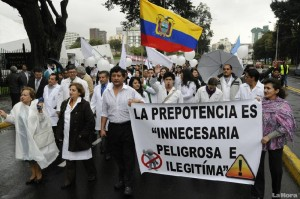 "Ecuadorian doctors reject Rafael Correa's Health Care Services Agency (ACESS), created by presidential decree. (<a href=""http://www.lahora.com.ec/index.php/noticias/show/1101845688"" target=""_blank"">La Hora</a>)"