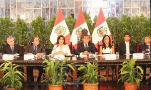 Peru's largest opposition parties did not attend the meeting that preceded the decision to shut down the National Intelligence Office temporarily.