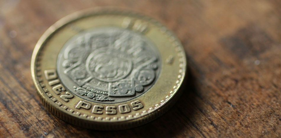Mexican Central Bank Says Peso Volatility on the Downswing