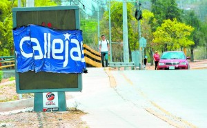 On Monday, April 20, Hondurans woke up to find the streets covered with pro-Callejas posters.
