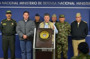President Santos announced peace talks with the FARC in Havana are suspended until the guerrilla free their latest kidnapping victims.